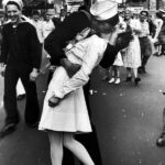 alfred-eisenstaedt-s-iconic-image-of-a-kissing-couple-in-times-square-on-v-j-day-1945